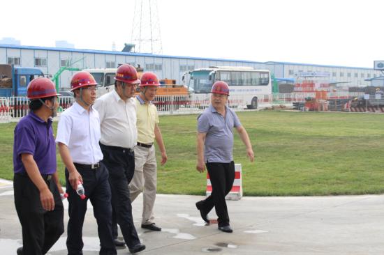 新兴集团副总经理卢建国带队到总公司检查安全生产工作