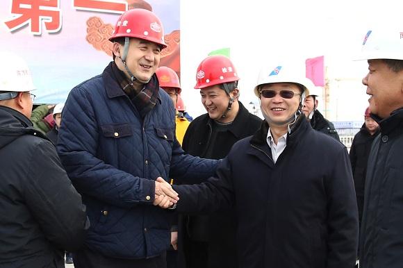 南航集团纪检组组长潘福到北京新机场南航工程慰问
