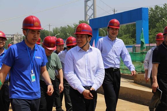 通用技术集团副总经理谢彪视察总公司武汉烽火项目