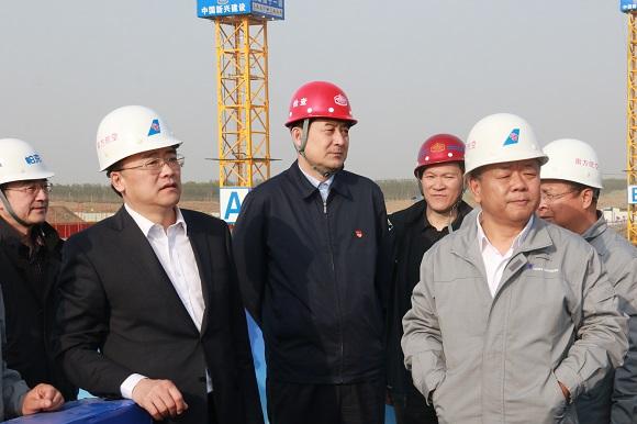 南航集团党组副书记、总经理谭万庚视察北京新机场南航工程